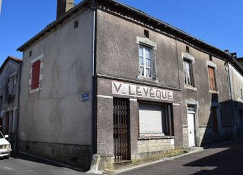 Thumbnail Retail premises for sale in Champagne-Mouton, Charente, 16350, France