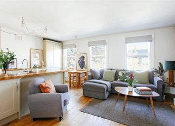 Evering Road, Stoke Newington, London N16. 2 bed flat for sale