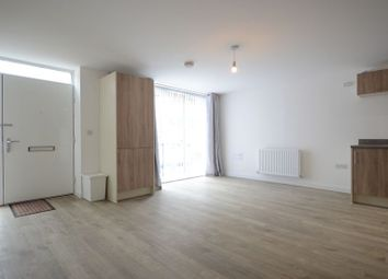 Thumbnail 1 bedroom flat to rent in Robert Parker Road, Reading