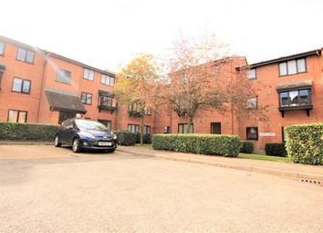 2 bed flat to rent in Astra Court, King Georges Avenue, Watford WD18