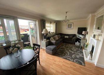 Waycross Road, Cranham, Upminster RM14. 2 bed flat