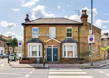 2 bed maisonette for sale in Robertson Street, London SW8