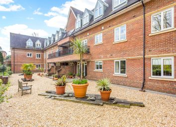 Thumbnail 2 bed flat to rent in Churchfields Avenue, Weybridge