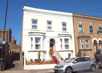 Thumbnail 3 bedroom flat to rent in Daneville Road, London