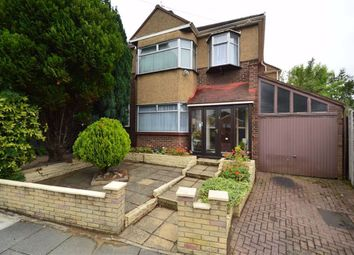 Cobbetts Avenue, Redbridge, Essex IG4. 3 bed semi-detached house