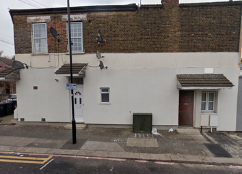 Thumbnail 1 bed flat to rent in Vansittart Road, London