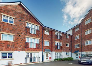 1 bed flat for sale in Treetops Close, Grays RM17