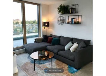 Thumbnail Room to rent in Falcon Road, London