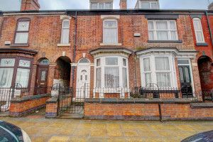 3 bed terraced house to rent in Staniforth Road, Sheffield S9