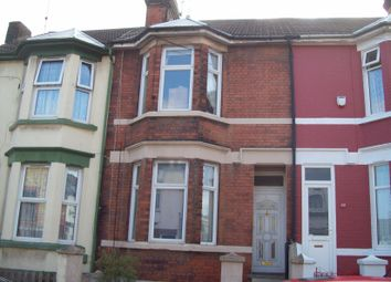 Thumbnail 1 bed flat to rent in Richmond Road, Gillingham