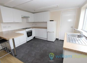 2 bed flat to rent in Windmill Road, Gillingham ME7