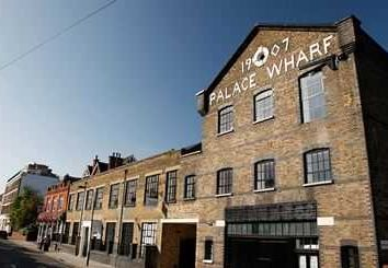 Thumbnail 2 bed flat to rent in Oxfordpenthousepalacewharf, London