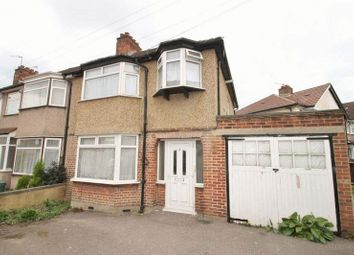 Thumbnail Studio to rent in Kingsmead Drive, Northolt