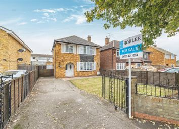 Thumbnail 3 bed detached house for sale in Dedworth Road, Windsor