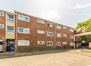 Cundy Road, Canning Town, London E16. 2 bed flat