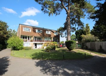 19 Mulberry Close, Horsham RH12. 2 bed duplex