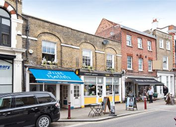 2 bed flat to rent in Guildford Street, Chertsey, Surrey KT16