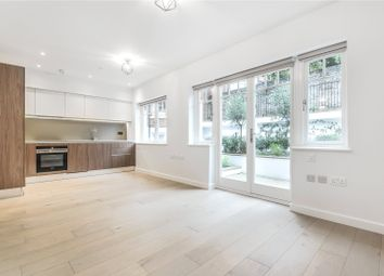 2 bed maisonette to rent in Compayne Gardens, West Hampstead, London NW6