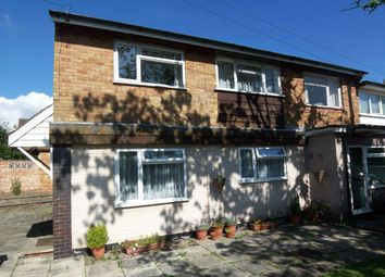 2 bed flat to rent in Heath Road North, Locks Heath, Southampton SO31