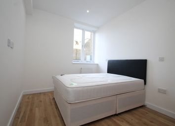 2 bed flat to rent in 74-76 Rushey Green, London SE6