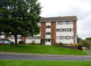 2 bed flat to rent in Highlands Road, Andover SP10