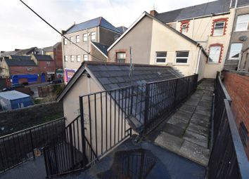 Thumbnail Studio to rent in Holton Road, Barry