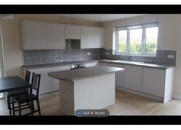 Thumbnail 2 bed detached house to rent in Smallfield Road, Horley
