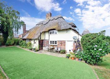Mill Lane, Nonington, Canterbury, Kent CT15. 3 bed detached house