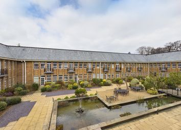 The Water Gardens, De Havilland Drive, Hazlemere, High Wycombe HP15. 3 bed flat for sale