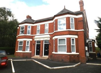 2 bed flat to rent in Chester Road, Warrington WA4