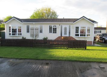 Thumbnail 2 bed mobile/park home for sale in Chapel Farm Park (Ref 5581), Hawthorn Hill, Conningsby, Lincolnshire