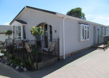 Thumbnail 2 bedroom mobile/park home for sale in Friars Close, Pilgrims Retreat, Harrietsham, Maidstone, Kent