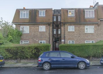 Thumbnail 2 bedroom flat for sale in Hampden Road, Muswell Hill, London