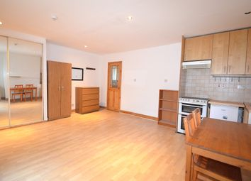 Thumbnail Studio to rent in Central Hill, London