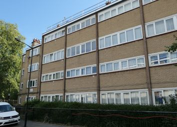 Newby Place, Canary Wharf, London E14. 2 bed flat