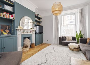 Jackson Road, Holloway, London N7. 3 bed flat for sale