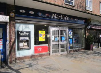 Retail premises to let in High Street, Brentford TW8