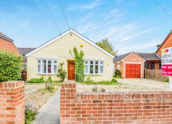 Thumbnail 3 bed detached house for sale in Manor Crescent, Didcot
