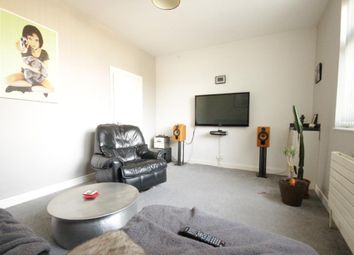 Thumbnail 1 bedroom flat to rent in Chanterlands Ave, Hull, East Riding Of Yorkshire