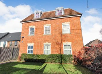 Thumbnail 2 bed flat for sale in Bath Road, Thatcham