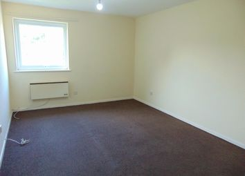 Thumbnail 2 bed detached house to rent in Epping Close, Reading, Berkshire