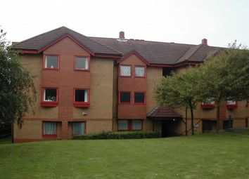 Thumbnail 2 bed flat to rent in Franklynn Road, Haywards Heath