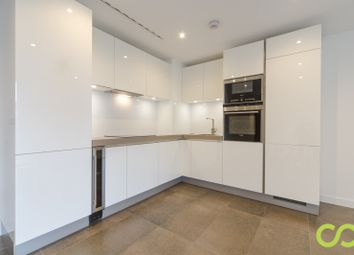 Thumbnail 3 bed flat to rent in City Road, London