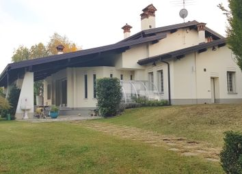 Thumbnail 3 bed villa for sale in Casnate Con Bernate, Casnate Con Bernate, Como, Lombardy, Italy