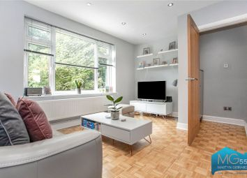 Burnside Close, Barnet, Hertfordshire EN5. 2 bed maisonette