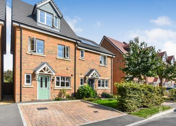 Winter Close, Epsom KT17. 3 bed town house
