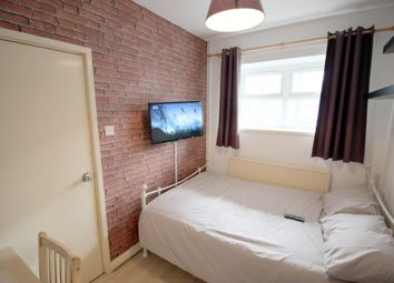 Thumbnail Room to rent in Roche House, Beccles St, London