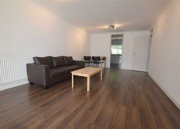 Thumbnail 2 bed flat to rent in North Crescent, Finchley, London