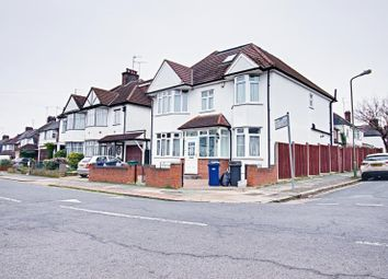 Thumbnail 4 bed detached house to rent in Wentworth Avenue, Finchley