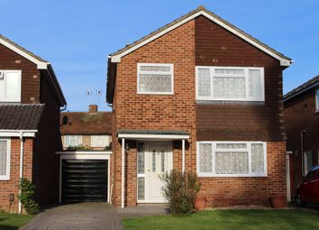 Thumbnail 3 bed detached house to rent in Shefford Crescent, Wokingham